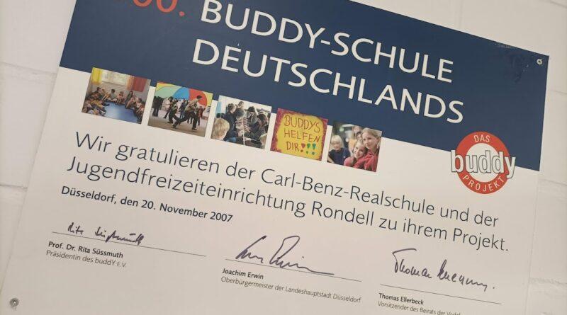 Bild der Auszeichnung zur Buddy-Schule
